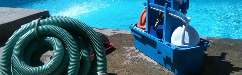 Cleaning Your Pool Deck